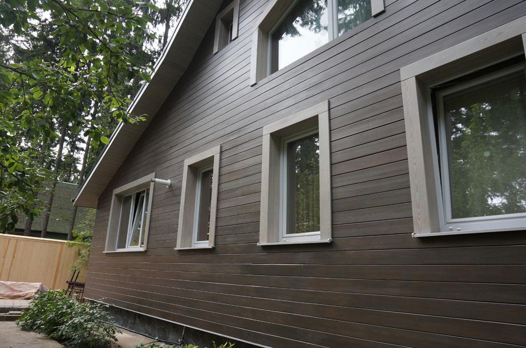 фасад дома с планкена